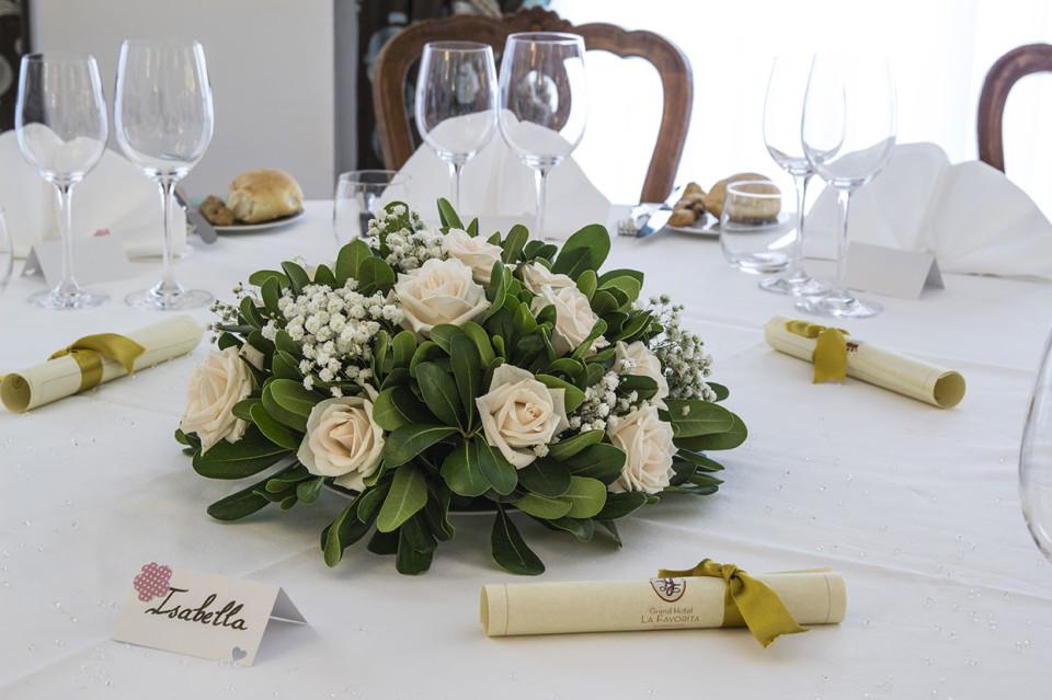 Composizioni Fiori Matrimonio Girasoli : Composizioni floreali matrimoni a sorrento hotel la favorita