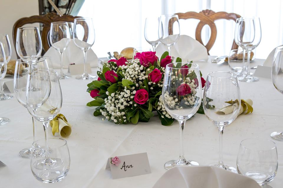 Composizioni floreali matrimoni a sorrento hotel la favorita for Decorazioni tavoli matrimonio